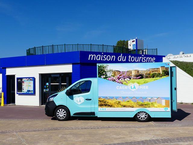 Truck de l'Office de Tourisme de Caen la mer