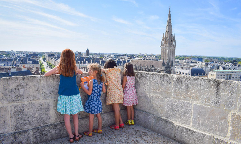 496106-visite_en_famille_au_chateau_de_caen-caen_la_mer_tourisme___alix_jonet-1500px