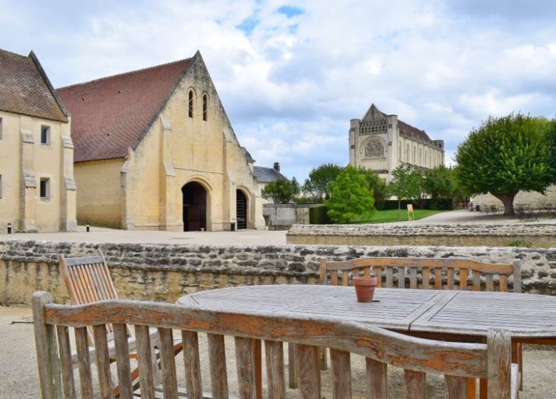 294687-Caen__Abbaye_d_Ardenne_-_IMEC-Caen_la_mer_Tourisme___Alix_JONET