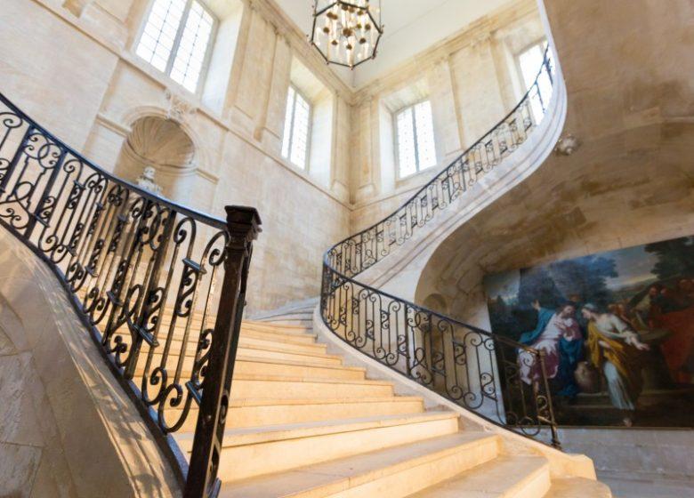 46134-Caen__escalier_d_honneur_de_l_Abbaye_aux_Dames-Caen_la_mer_Tourisme___Pauline___Mehdi_-_Photographie
