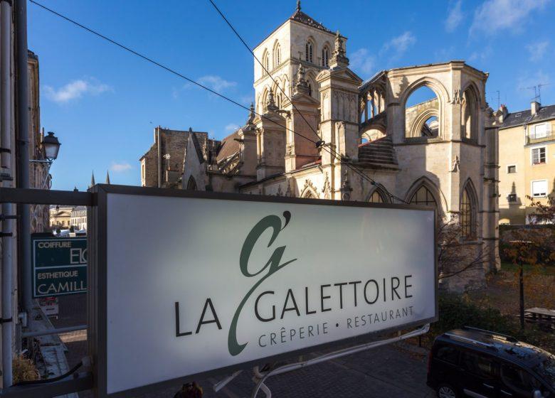La Galettoire – vue sur l'église du vieux st sauveur