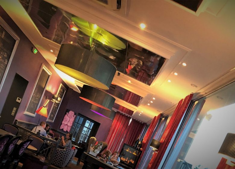 Andry-1867-Lounge Bar_Ouistreham – ambiance