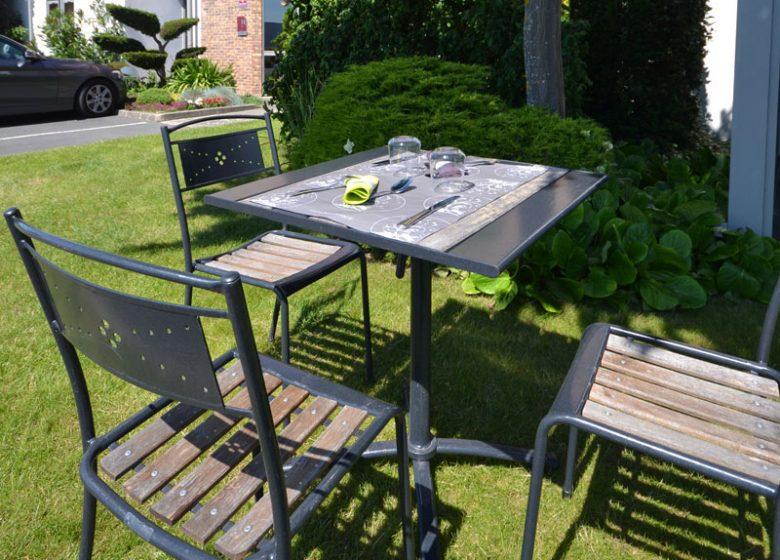 Best Hotel Caen – terrasse