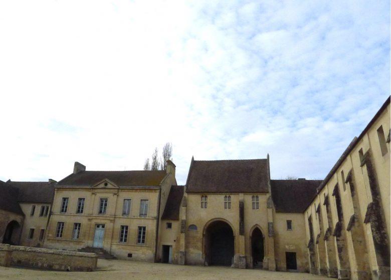 Caen__Abbaye_d_Ardenne-IMEC-Caen_la_mer_Tourisme___Jean_REMY-52686