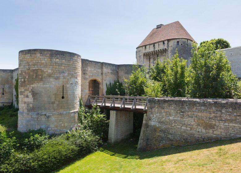 Caen__chateau_de_Caen-Caen_la_mer_Tourisme___Pauline___Mehdi_-_Photographie-46330-1200px