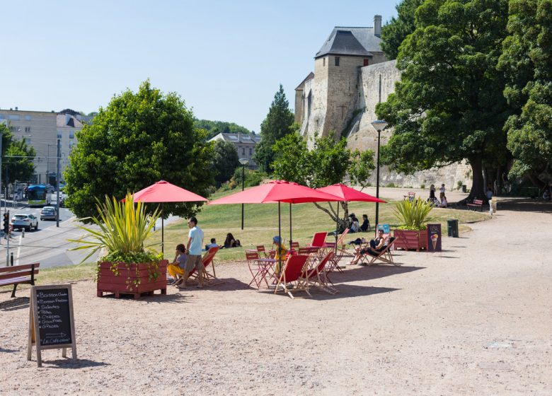 Caen__chateau_de_Caen-Caen_la_mer_Tourisme___Pauline___Mehdi_-_Photographie-46337-1200px