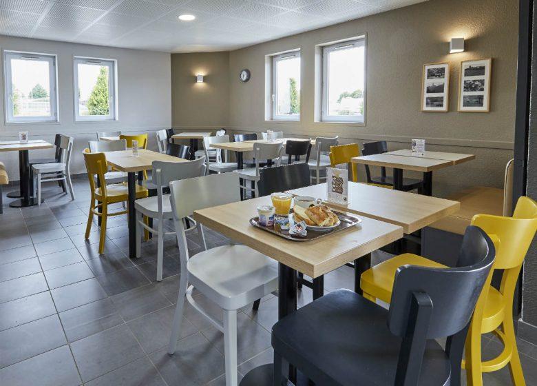 Caen-Mémorial-Salle-de-restaurant