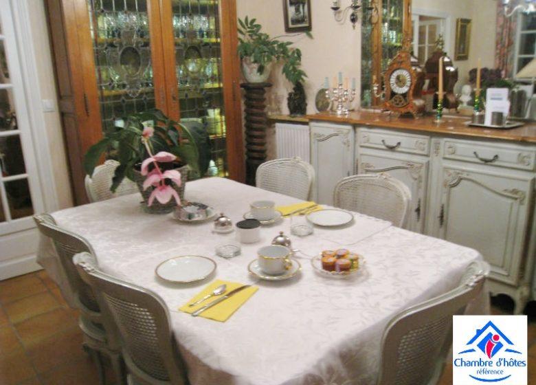 Giraud_table petit déjeuner