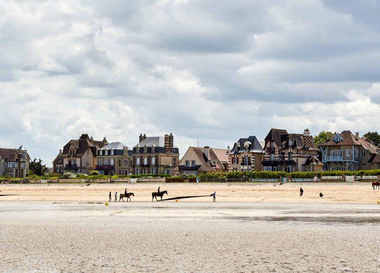 Hermanville-sur-mer-plage-Caen-la-mer-Tourisme–Fabien-MAHAUT