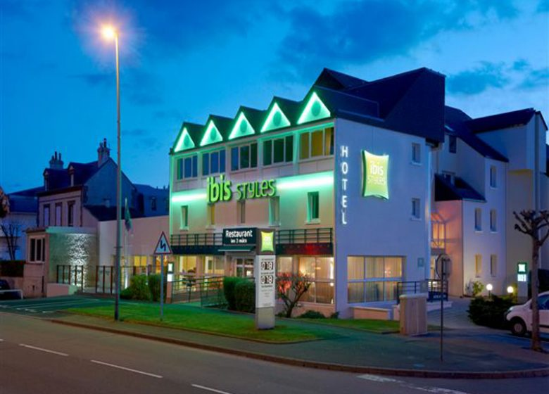 Hotel Ibis Styles à Ouistreham – façade