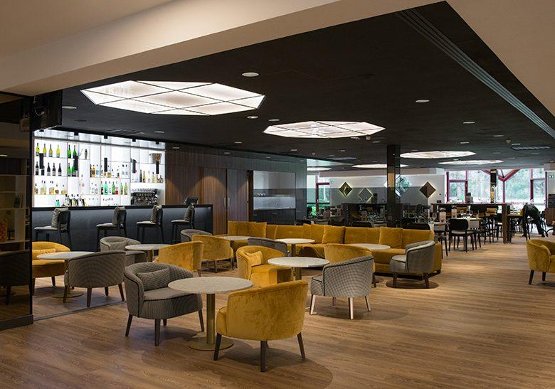 Hôtel Mercure CDN – Bar 2