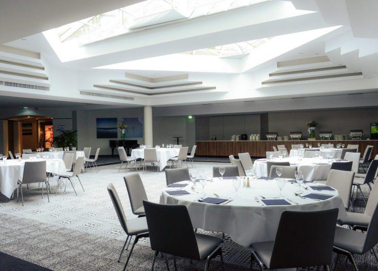 Hôtel Mercure Caen centre port de plaisance – Atrium déjeuner © MDesdoits