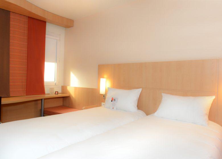 Hôtel Ibis Caen Centre Port de plaisance – chambre twin