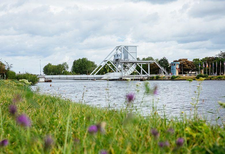 Pegasus_Bridge-Caen_la_mer_Tourisme___Les_Conteurs