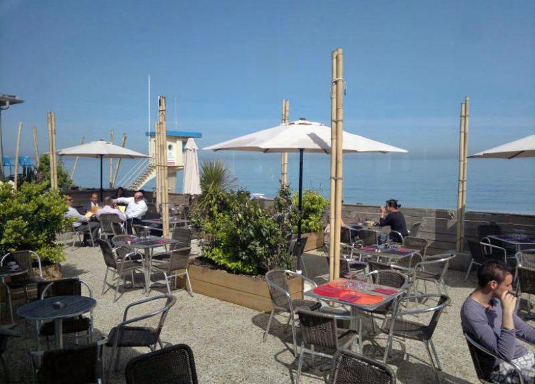 Terrasse du restaurant la Fabrique à Lion sur Mer