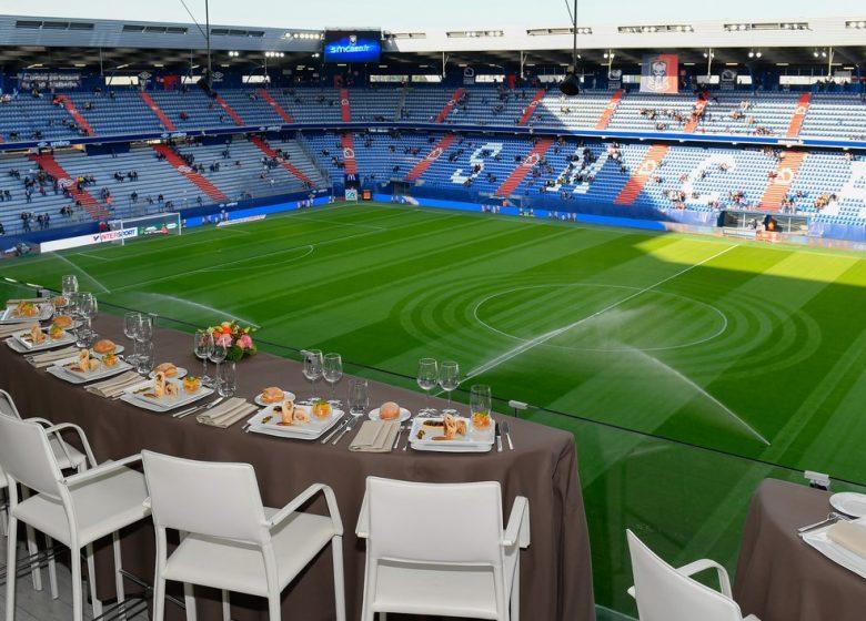 Stade d'Ornano – table-salon-etoiles © SMCaen
