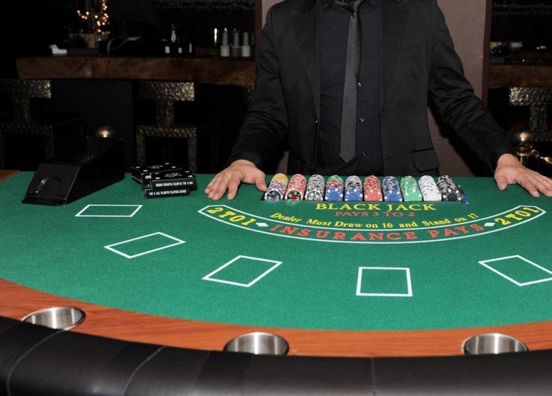 alquiler-mesa-blackjack-01