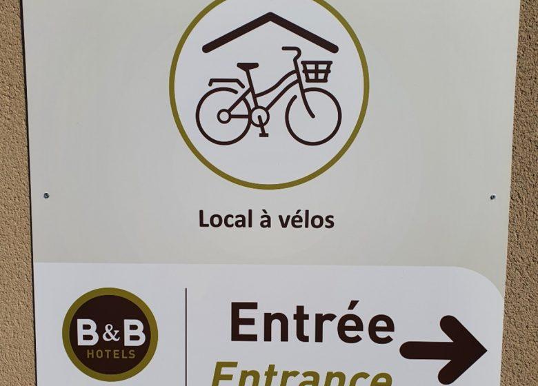 bb-hotels-ouistreham-panneau-local-velos