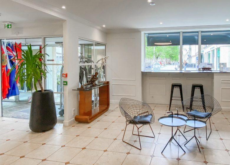 best-western-royal-hotel-lobby