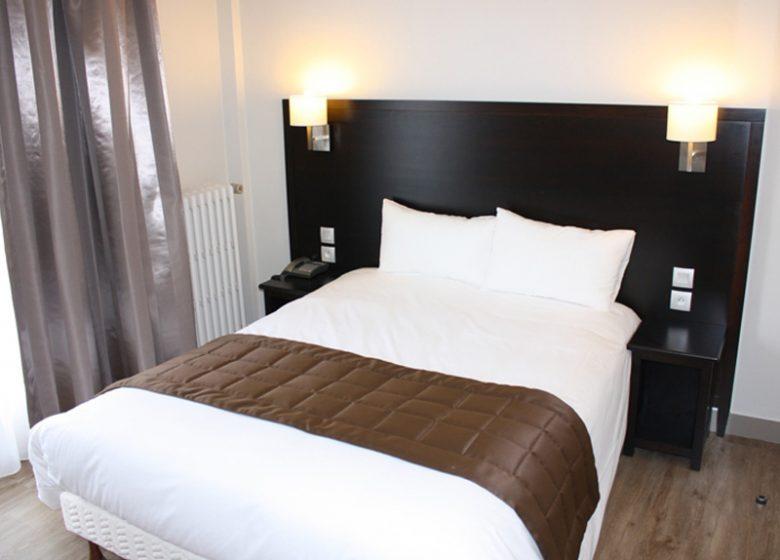 Hôtel des Quatrans – Caen – chambre