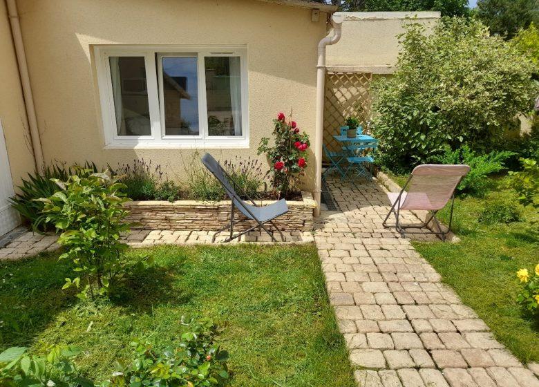 gite-des-myrtilles-jardin-exterieur