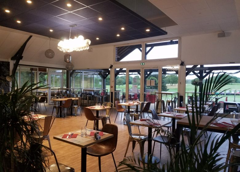 golf-caen-la-mer-restaurant-2