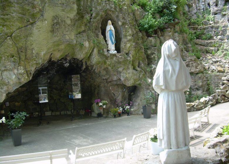 grotte-petit-lourdes–herouville-saint-clair