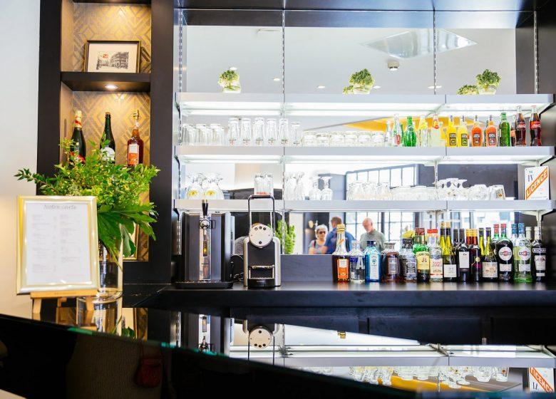 hotel-caen-bar2