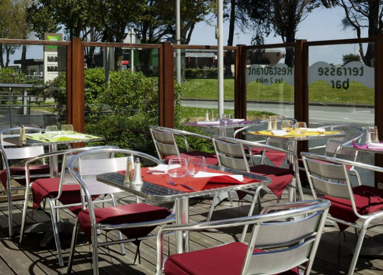 ibis styles – tables exterieures